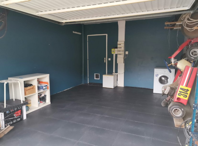 Garage particulier en Dalles PVC GE50